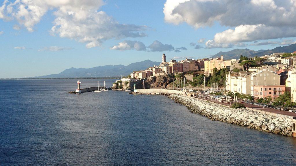 Vue sur Bastia depuis le bateau