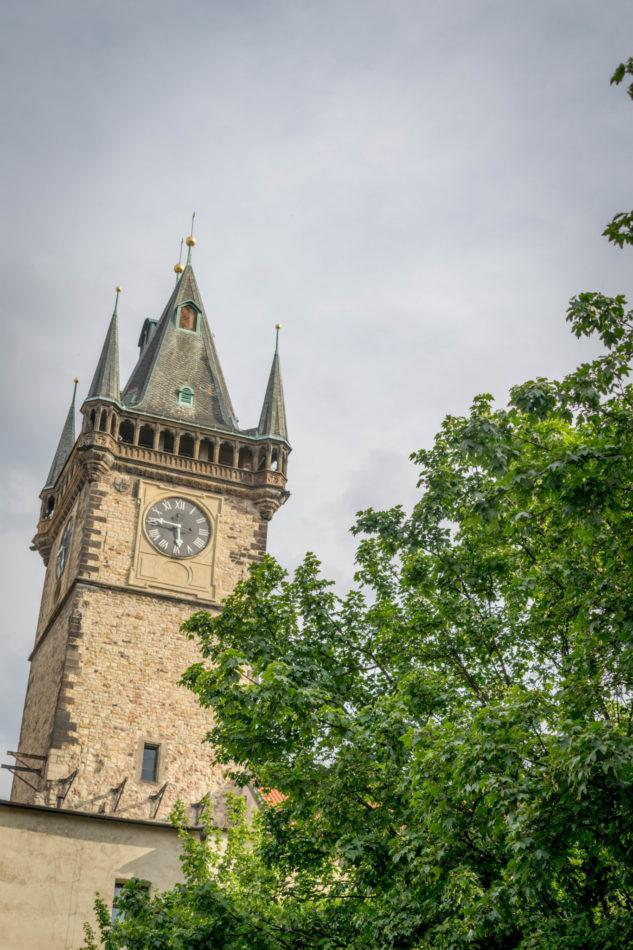 Tour le l'ancien hôtel de ville de Prague